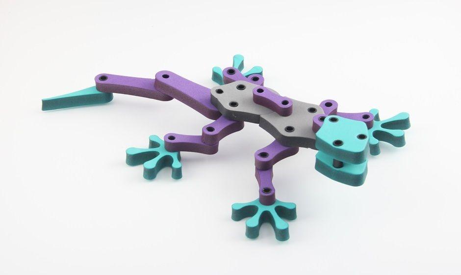 חיתוך בלייזר של צעצוע מפוליאתילן מצולב (פלציב)